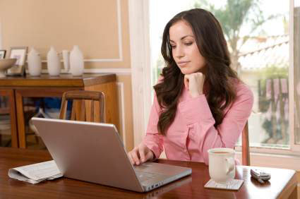 Hemmakontor med laptop