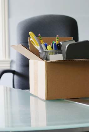 Kontorsvaror i låda